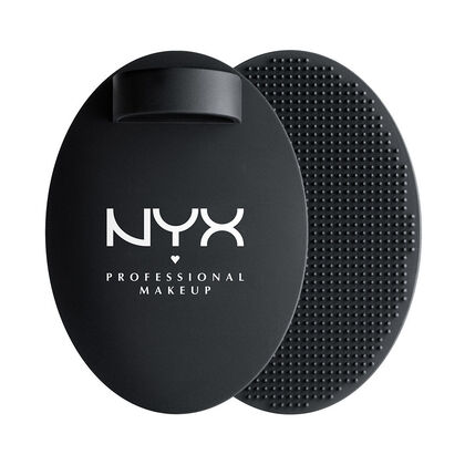 On The Spot Brush Cleansing Pad | NYX Cosmetics