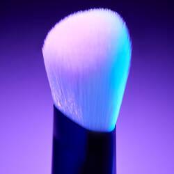 High Glass Illuminating Powder Brush