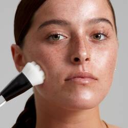 High Glass Face Primer Brush